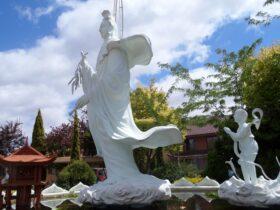 Sakyamuni Buddhist Centre statues