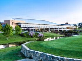 Gungahlin Lakes Golf & Community Club