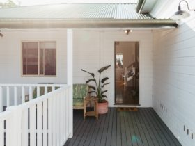 Welcome to your abode - Anchor in Avoca beach