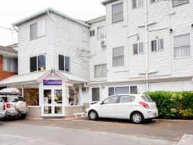 Blue Mountains Heritage Motel exterior