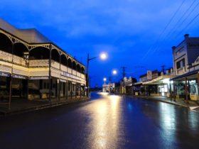Old Vic Inn on the beautiful main street of Canowindra