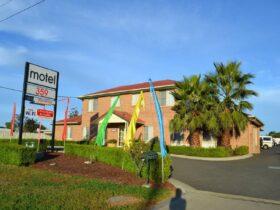 Motel 359 Entrance