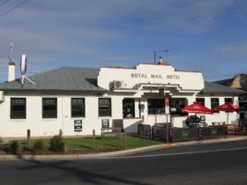 Royal Mail Hotel Mulwala aid The Finger Inn