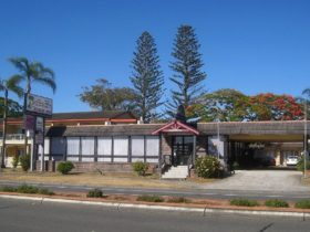 Front street view 36 Manning St Tuncurry, Motel Reception