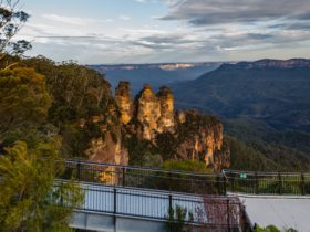 3 Sisters and Jamison Valley