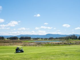 The course overlooking the Camberwarra mountains