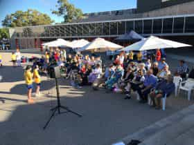 Banjo Paterson Australian Poetry Festival – Brekky and Poetry on the Pavers