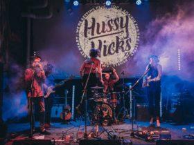Hussy Hicks Live