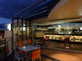 Dining at one 7 eight