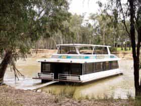 Executive Houseboats
