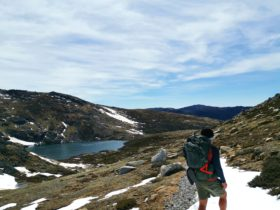 Hiking along the main range in Kosciuszko National Park