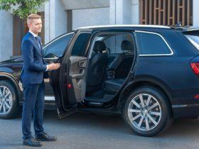 Hughes - Australia's chauffeur service - Full service chauffeurs