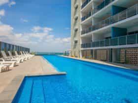 Darwin hotel pool