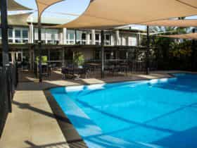 Walkabout Lodge pool area