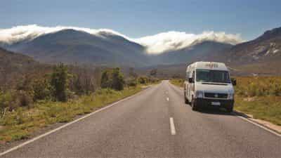 TNT_Landscape__9025108_AF20_Duecemountain_road.jpg