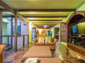 Celadon Holiday House - Lounge