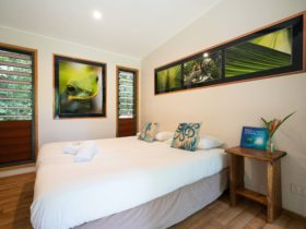 King Cabin with Ensuite