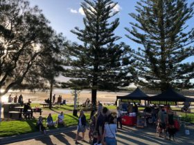 Currimundi Lake Twilight Market
