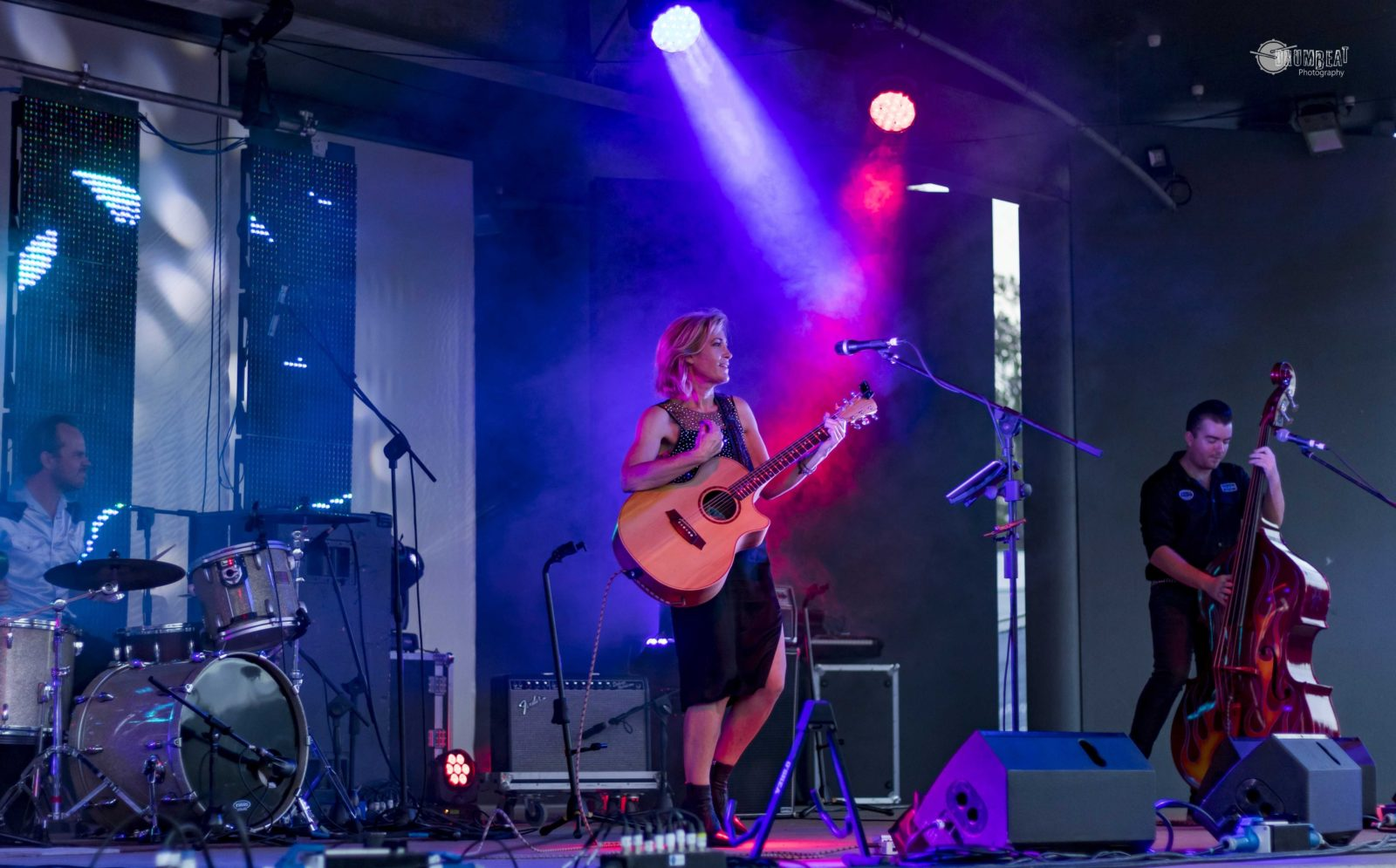 Fiona O'Shea and the Passenger live Club Boutique Hotel Cunnamulla 1-15 May 2021 6-9pm dinner, drink