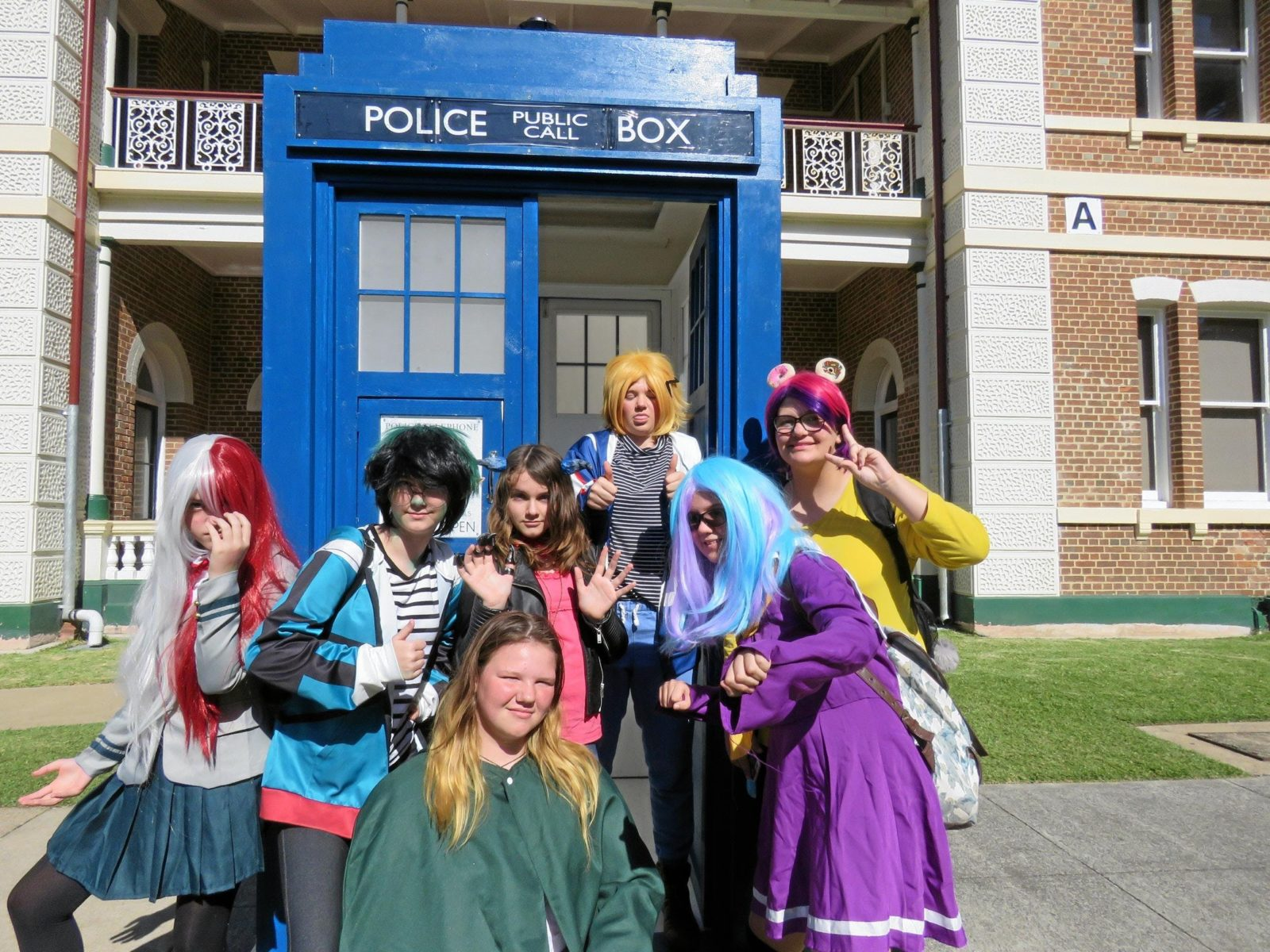 FraserPop Cosplay with the Tardis