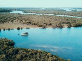 Coomera Houseboats Gold Coast
