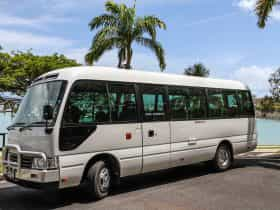 Airlie Limos - Airlie Beach airport transfers
