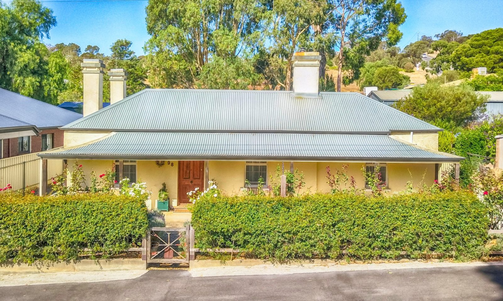 ottage with log fire and spa in Angaston Barosdsa Valley