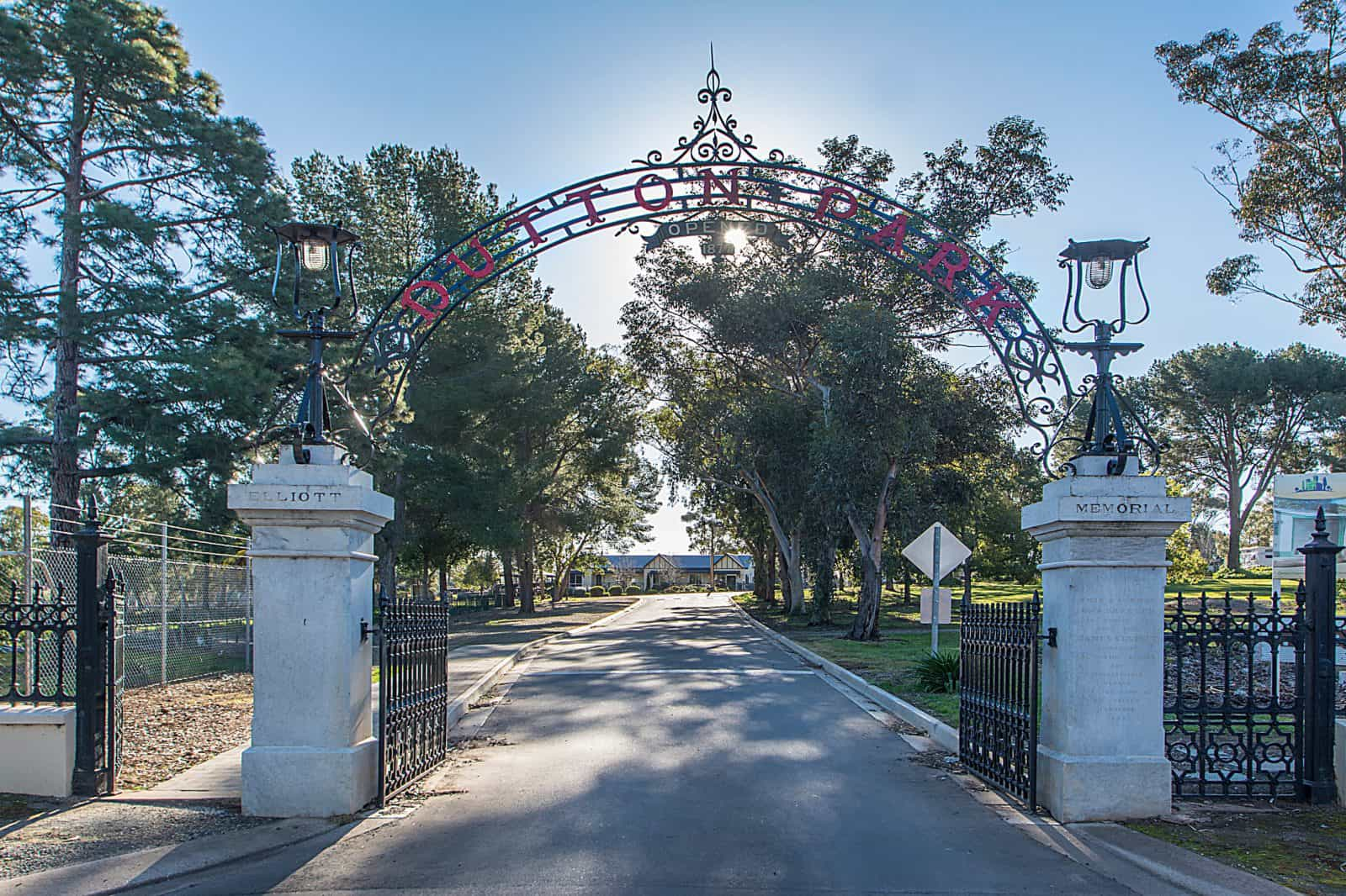 Front entrance to Park