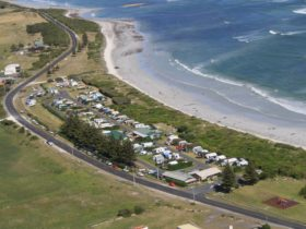The Tourist Park is located right on Woolwash beach.