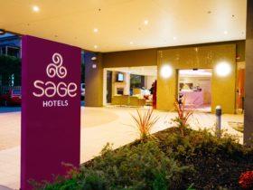 Sage Hotel Adelaide - Entrance