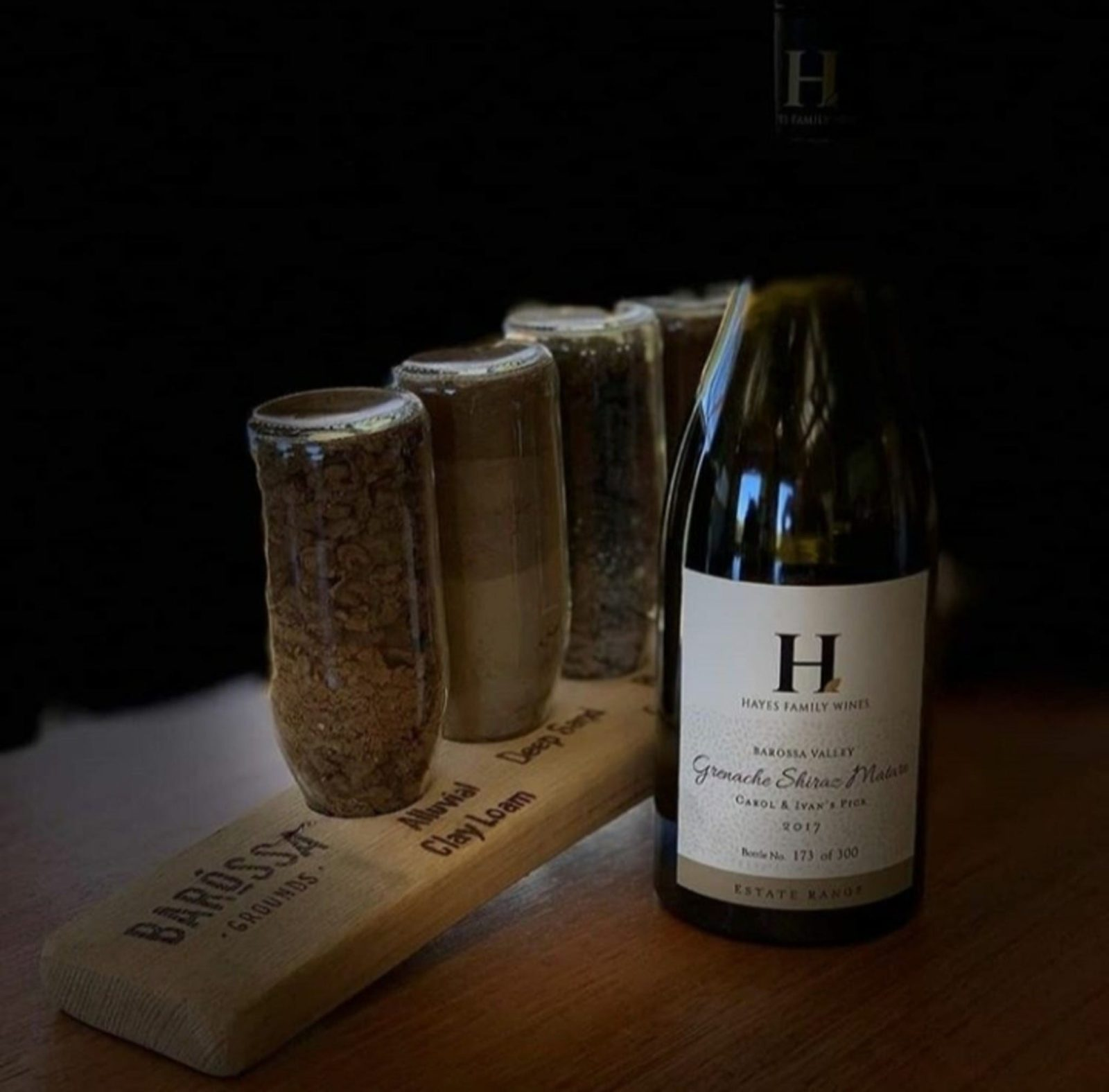 Discover the synergy between the soil and the wine during your tour