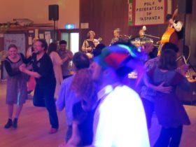 balfolk dancing
