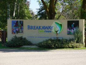 Breakaway Twin Rivers Caravan Park Entrance