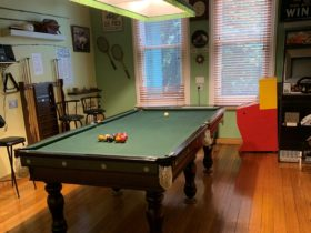 Butlers Guesthouse billiard table