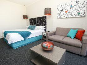 Comfort Inn Deakin Palms