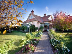 Dalfruin is a heritage B&B, a landmark building in East Gippsland with beautiful grounds