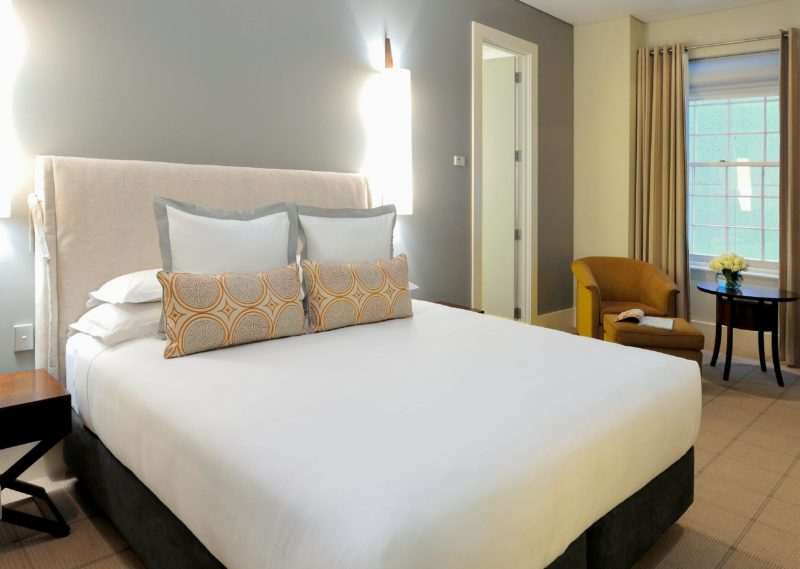 Classic Room with Queen Bedding