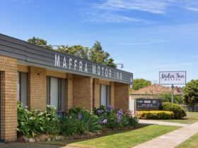 Maffra Motor Inn Front Entrance