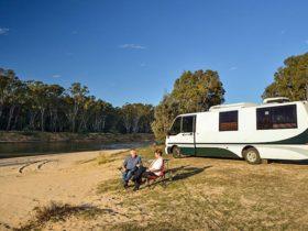 Quicks Beach campground, Murray Valley National Park. Photo: Gavin Hansford/DPIE