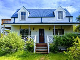 Rosella retreat at venus bay. Clean modern holiday home