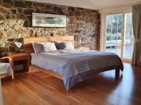 Tuerong Farm view fireplace kingsize bed breakfast hotel motel accommodation Mornington Peninsula