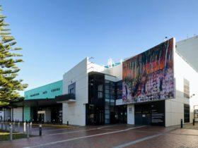 Frankston Arts Centre building and entrance