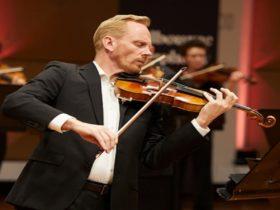 Dale Barltrop plays Schumann