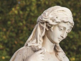 Statue of Ruth, Sturt Street Gardens