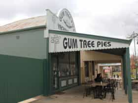 Gum Tree Pies Shop