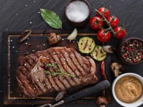 Mac's Hotel steak and vegetables