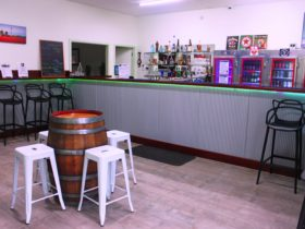 Nyah Oasis Bar