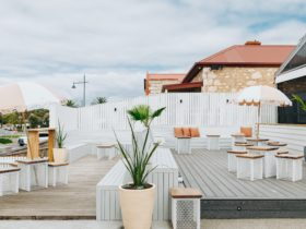 Casual, family-friendly bar and restaurant in Sorrento, Victoria