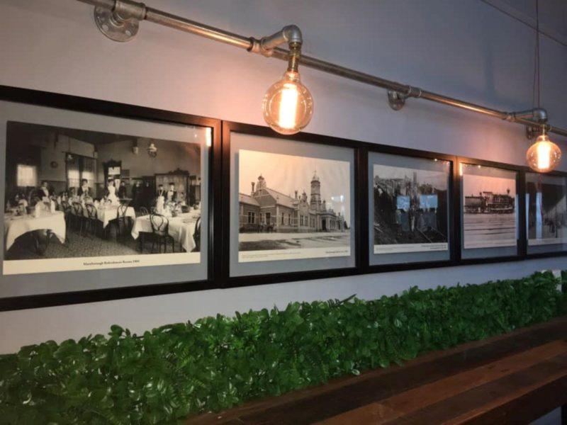 Railway Cafe & Tracks Bar