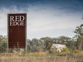 Red Edge sign